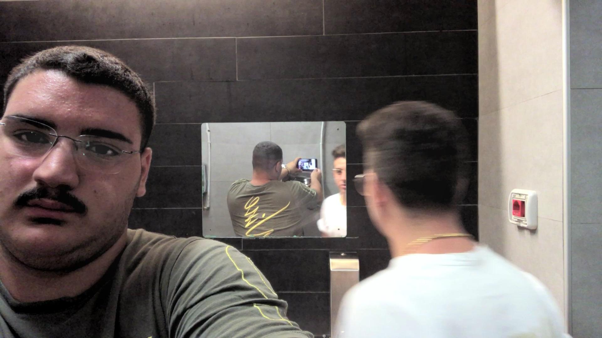 Come in uno specchio