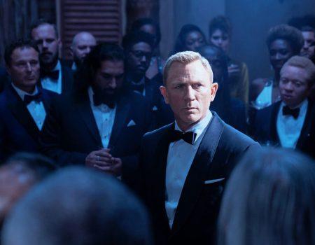 James Bond a Colono